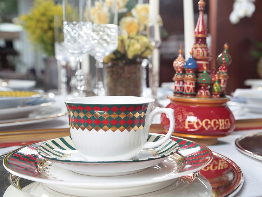 Imagem: Na coleção da Oxford Porcelanas você encontra alguns dos segredos e das belezas da Rússia transformados em decorações como a Flamingo São Basílio.