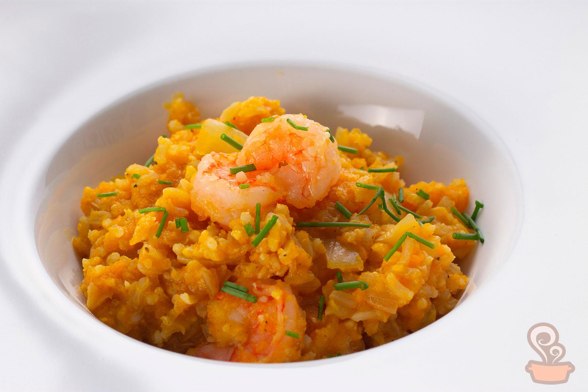 Imagem: Os tradicionais que nos perdoem, mas esse risoto integral é super levinho e saudável e não leva arroz arbóreo! Foto: Na Minha Panela.