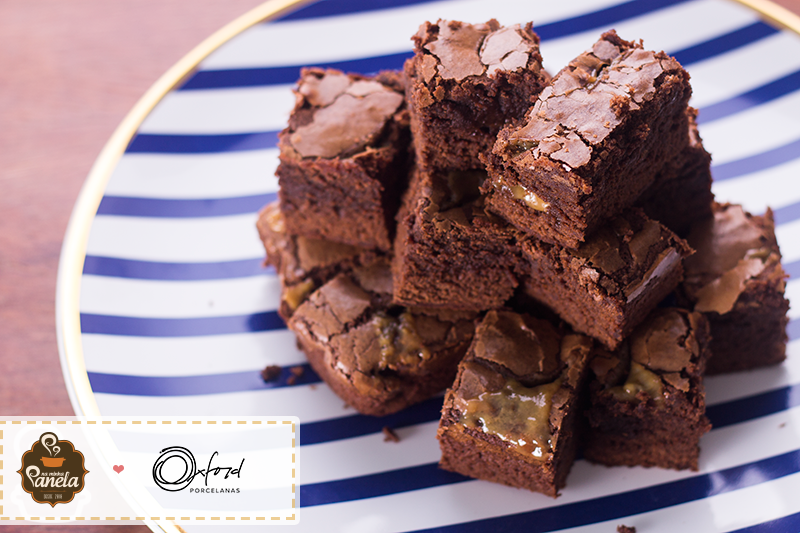 Imagem: Receita de brownie com caramelo aqui do blog Na Minha Panela.