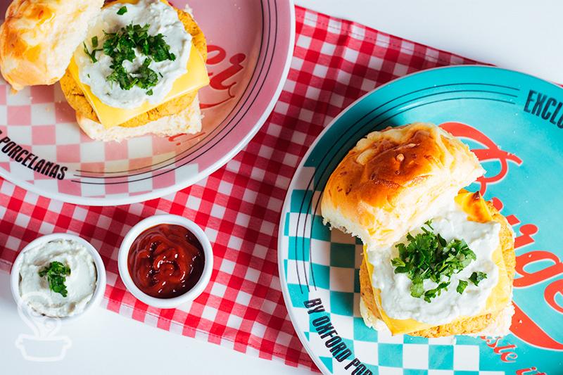 Além de ser super nutritivo, o grão-de-bico é muito gostoso e tem uma textura ótima!