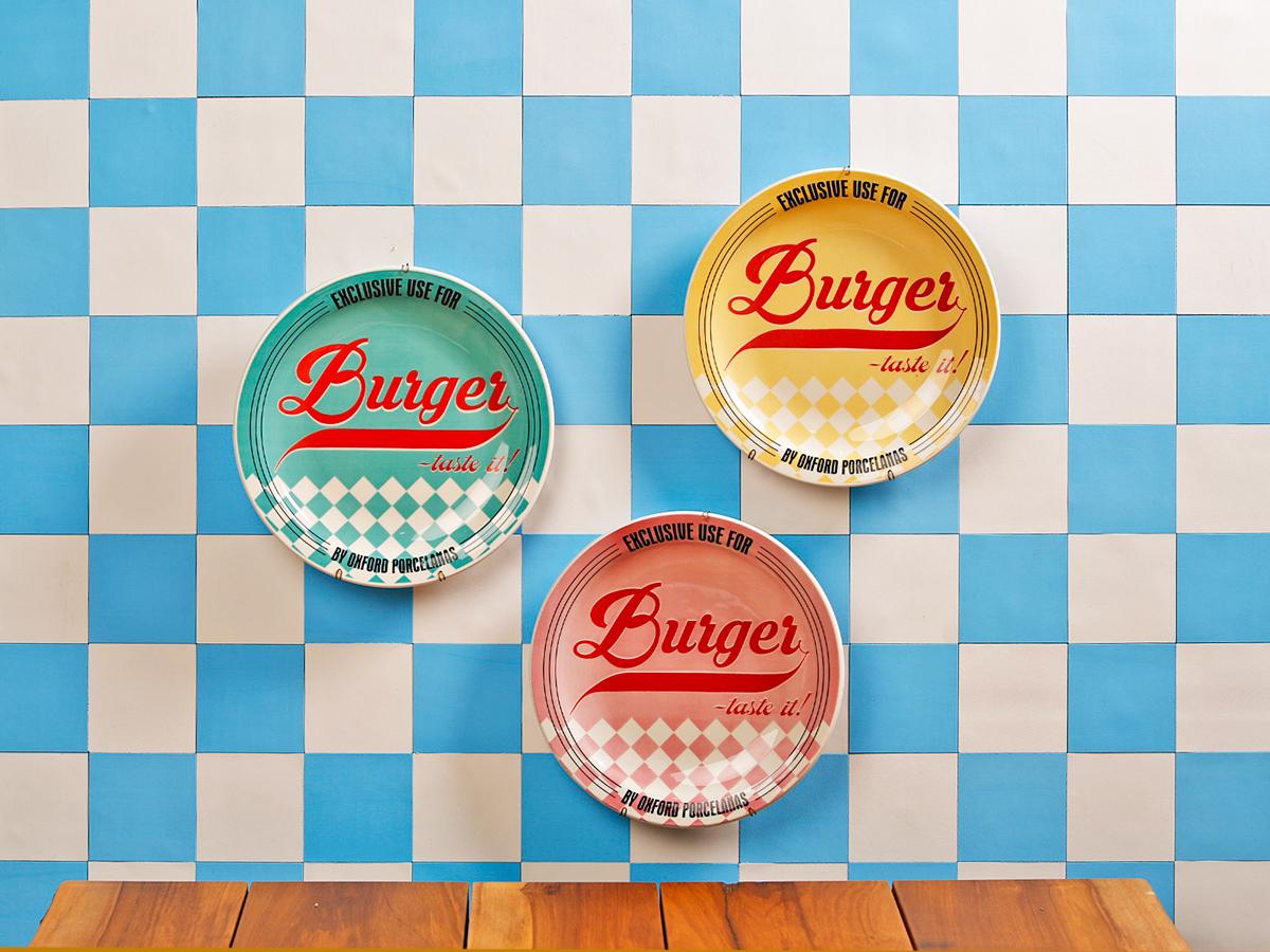 As cores retrô e a padronagem quadriculada vão te levar direto para os restaurantes americanos da década de 50.