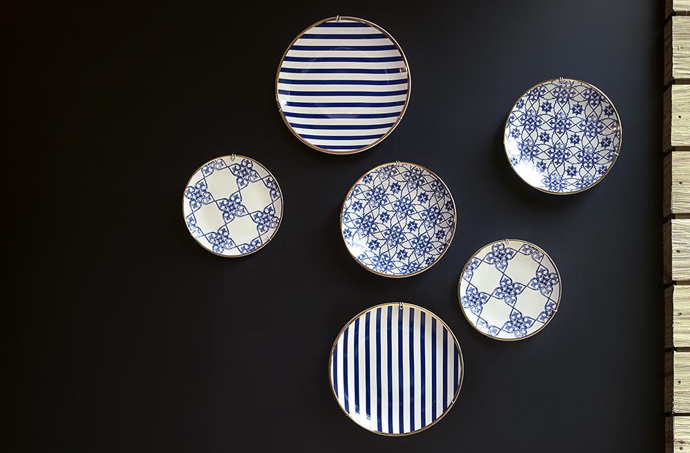 Os pratos de parede estão com tudo! Aposte nessa tendência também! Foto: Raphael Günther.