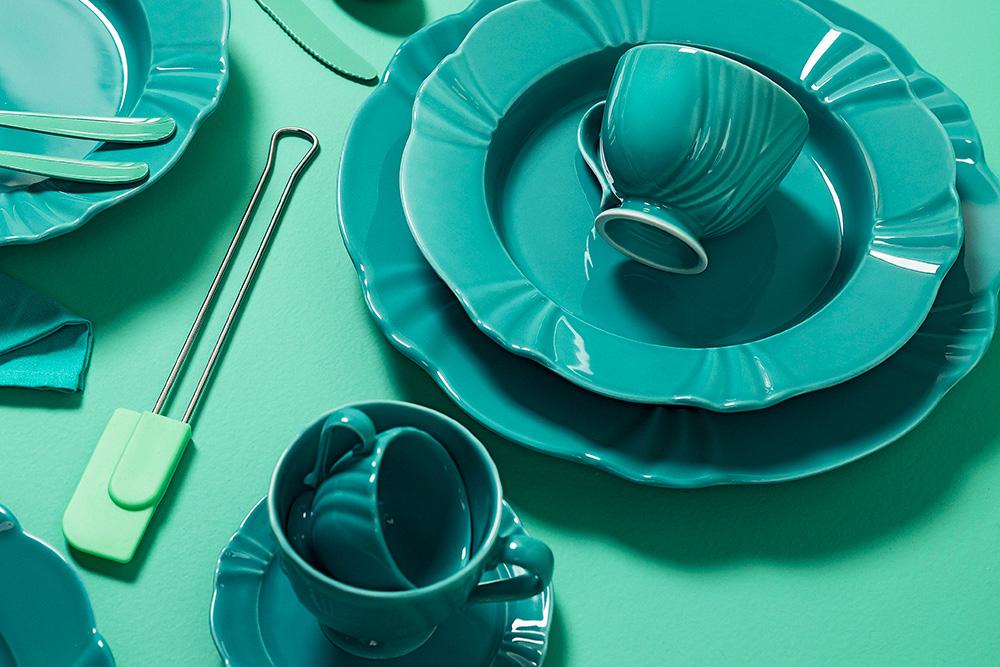 E por último, esse tom lindo entre o verde e o azul! A linha Soleil Dreams cria o equilíbrio perfeito entre o tradicional e o contemporâneo e é uma ótima opção para quem quer uma mesa harmoniosa e surpreendente.