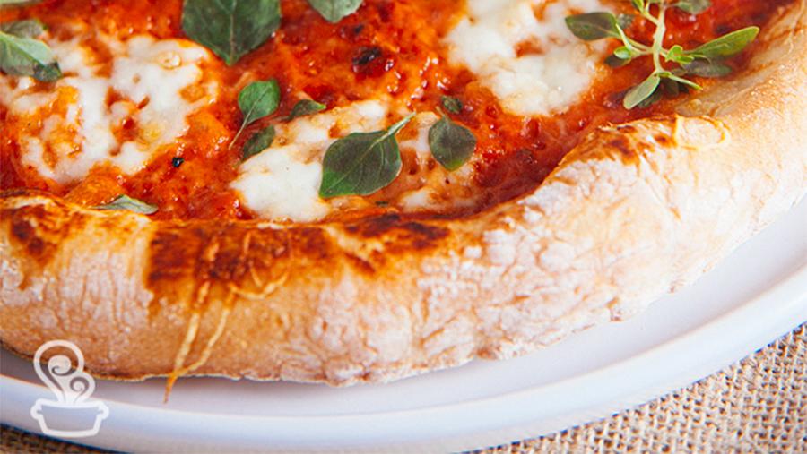 pizza com borda crocante naminhapanela