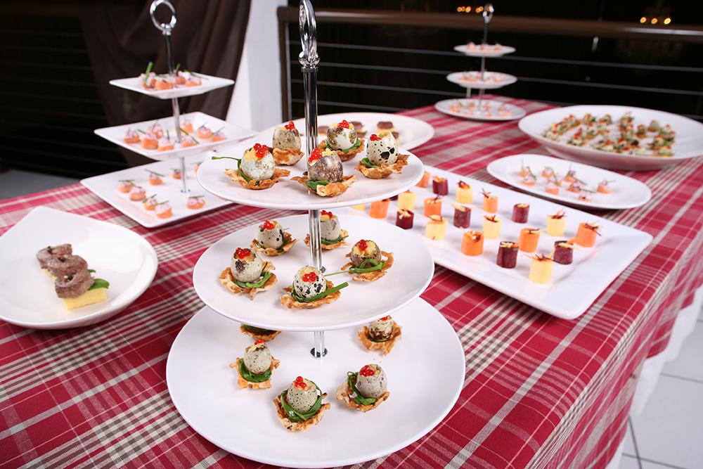 Imagem: Fruteira Coup White. Discreta e elegante, vai bem tanto em recepções informais quanto em jantares mais sofisticados.