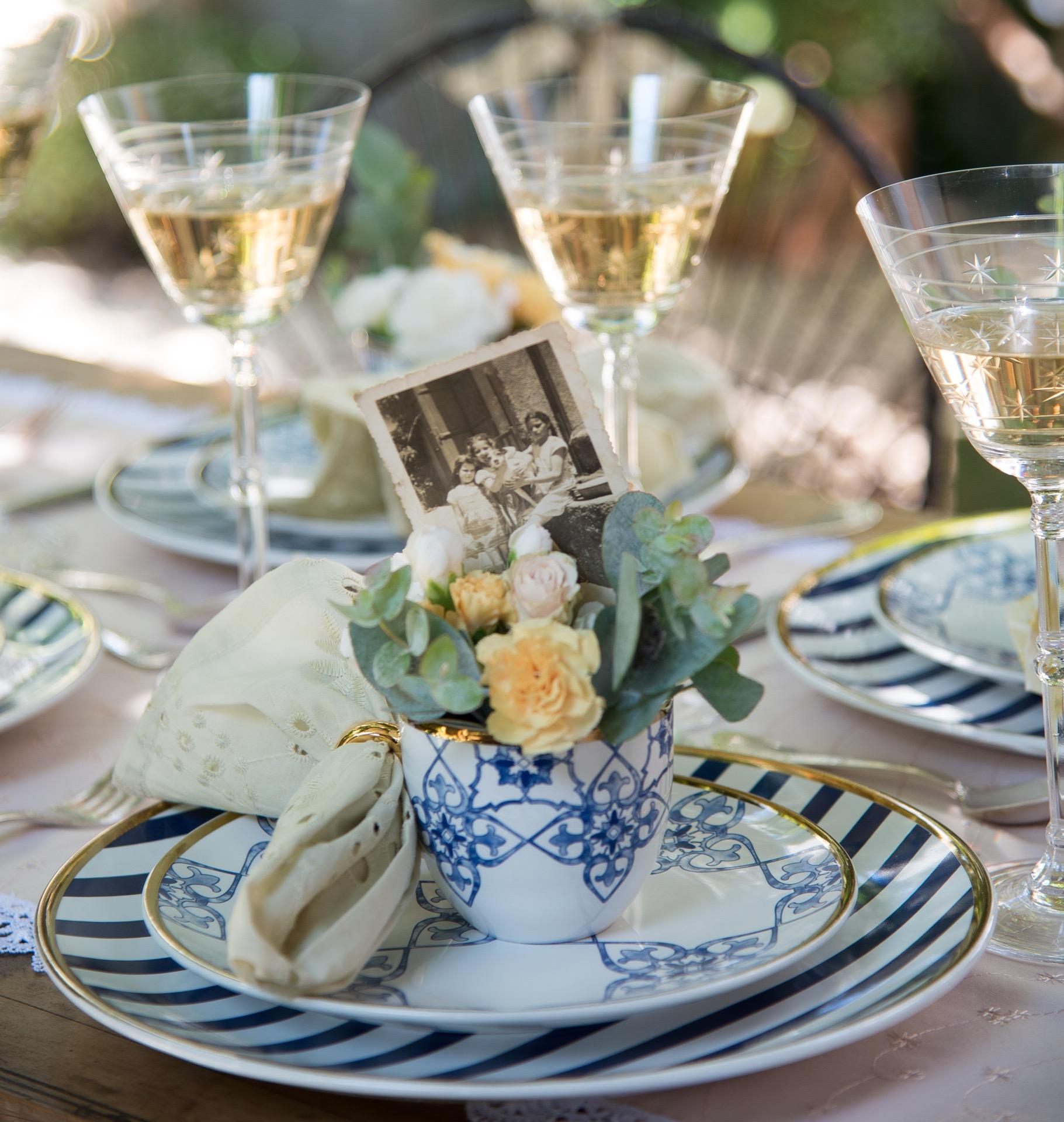 Imagem: Aparelho de jantar Coup Lusitana da Oxford Porcelanas.Guardanapo de lese Fio & Co. Foto: Cacá Bratke.