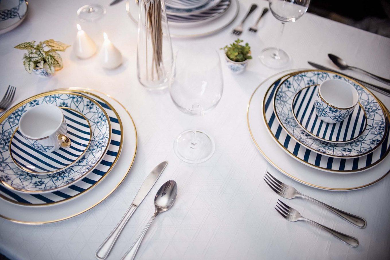 Imagem: Inspiração de mesa sofisticada e discreta para um jantar muito elegante com a louça Coup Lusitana, da Oxford Porcelanas.