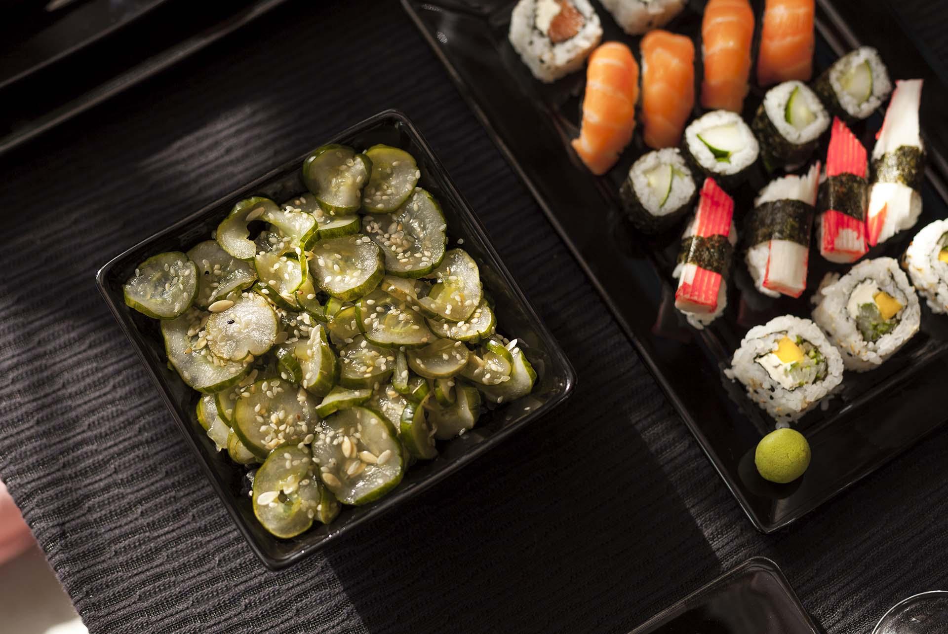 """Imagem: Essa é a entrada mais popular em um jantar japonês. Sunomono significa literalmente """"coisas avinagradas"""", e é geralmente servido em pequenas porções. Foto: Raphael Günther/Bespoke Content."""
