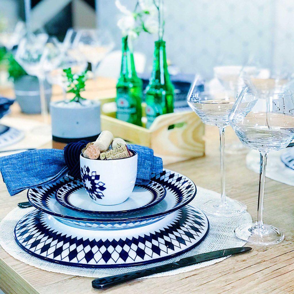 Imagem: Taças da coleção Pike completam o visual da mesa para o Dia dos Pais. Essas peças foram desenhadas pelo designer Karim Rashid com exclusividade para a Oxford Crystal. Foto: Meu Apê 34.