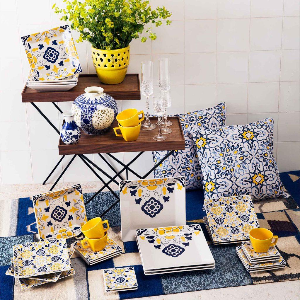 Imagem: Coleção Quartier Sevilha da Oxford Porcelanas. A tendência da azulejaria, que já tomou conta da arquitetura e da moda, agora também invadiu as mesas.