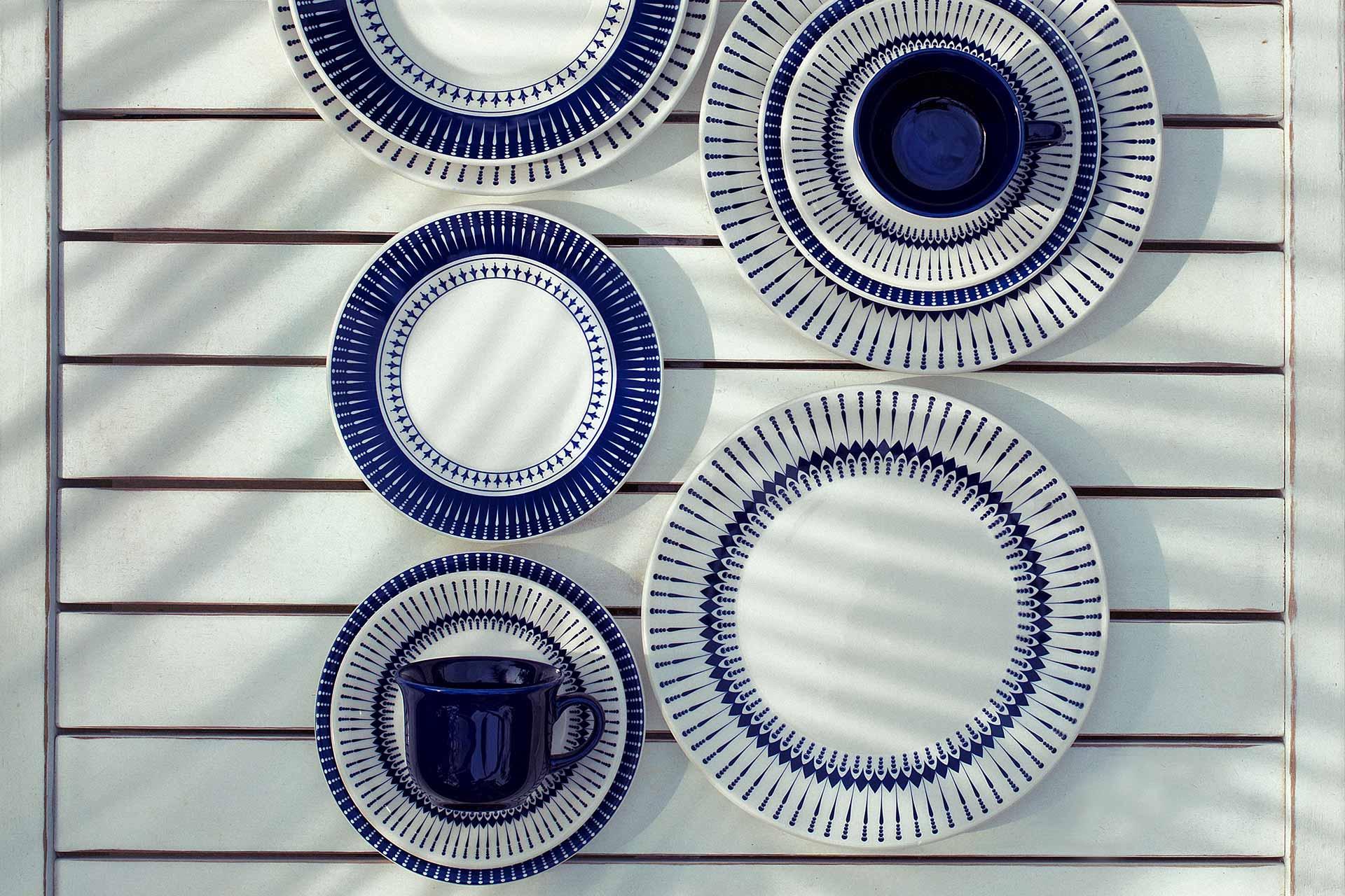 Imagem: O aparelho de jantar Colb está disponível em versões de 20 e 30 peças. Também é possível comprar conjuntos de pratos e xícaras de chá e de café.