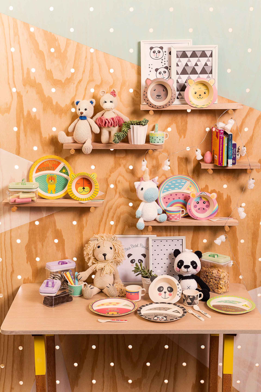 Imagem: Conjuntos feitos de fibra de bambu que são completamente atóxicos e seguros para manuseio de crianças.