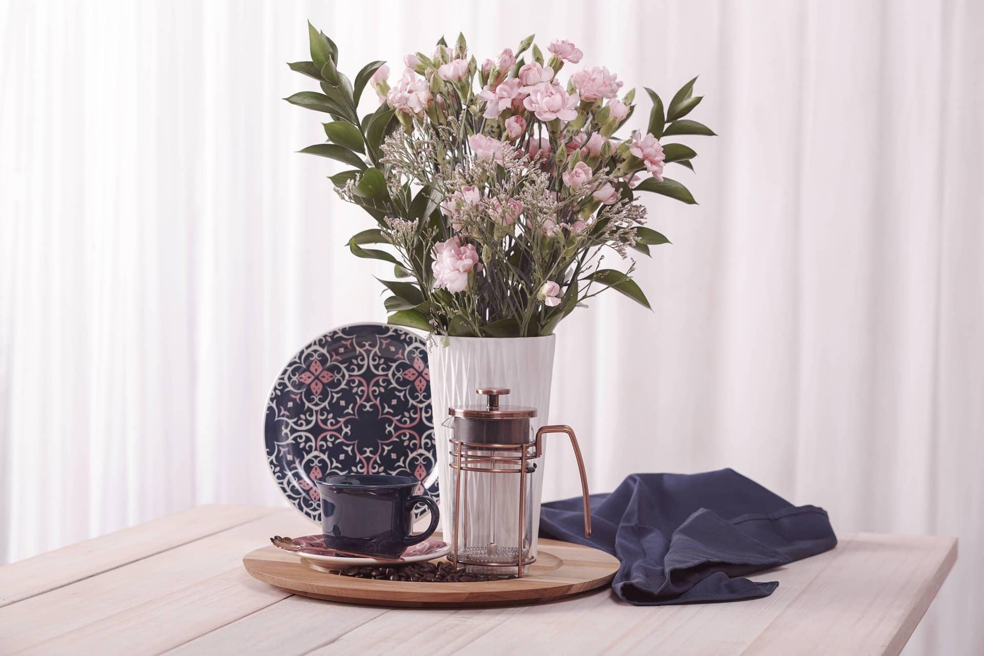 Imagem: Um objeto lindo e funcional para ser deixado a mostra no seu coffee bar é a cafeteira francesa da Oxford, disponível nos tamanhos de 350ml ou 1000ml.