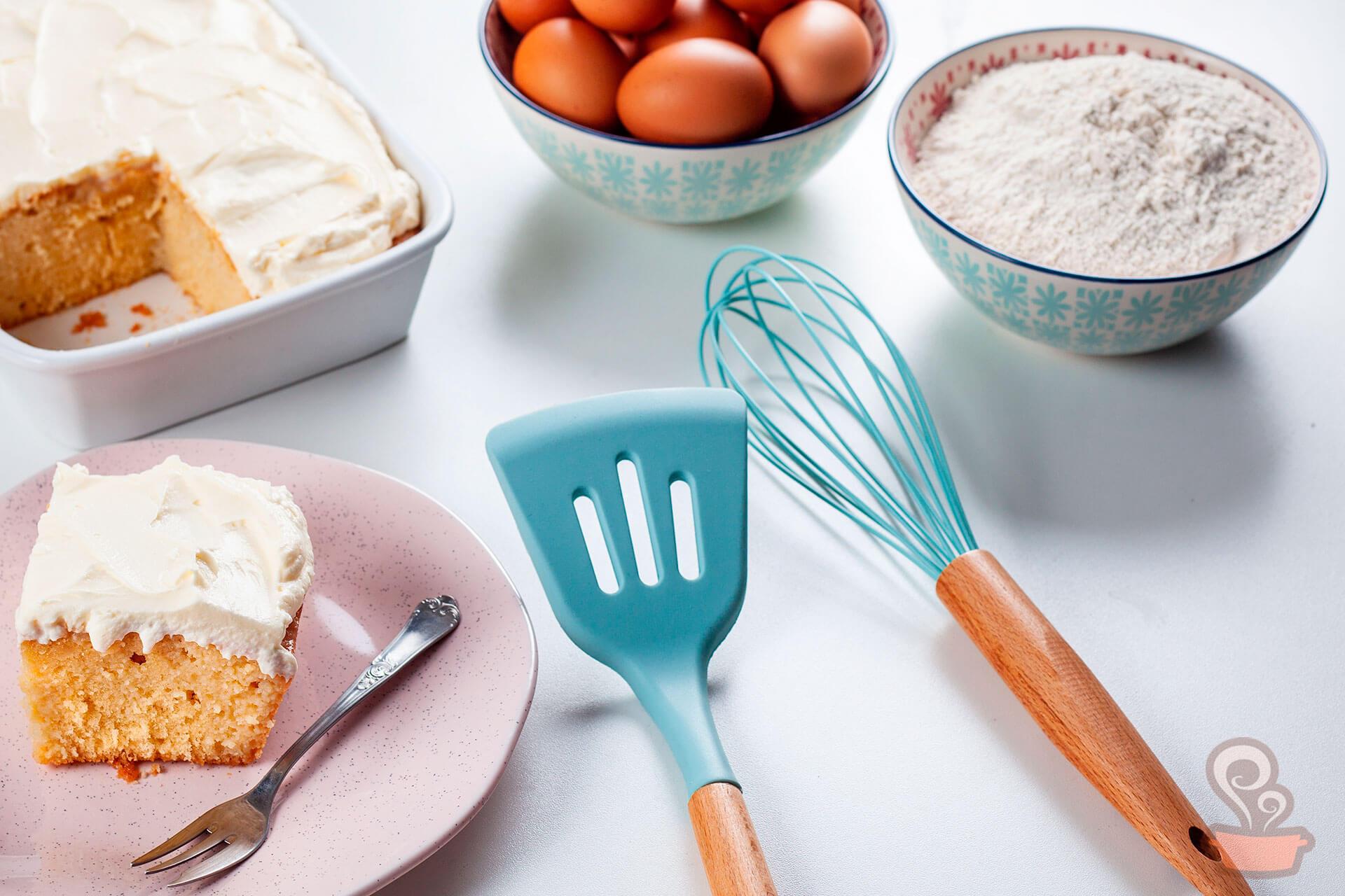 Imagem: Utensílios, tigelas, travessa refratária e prato: todos da marca Oxford. Foto: Na Minha Panela