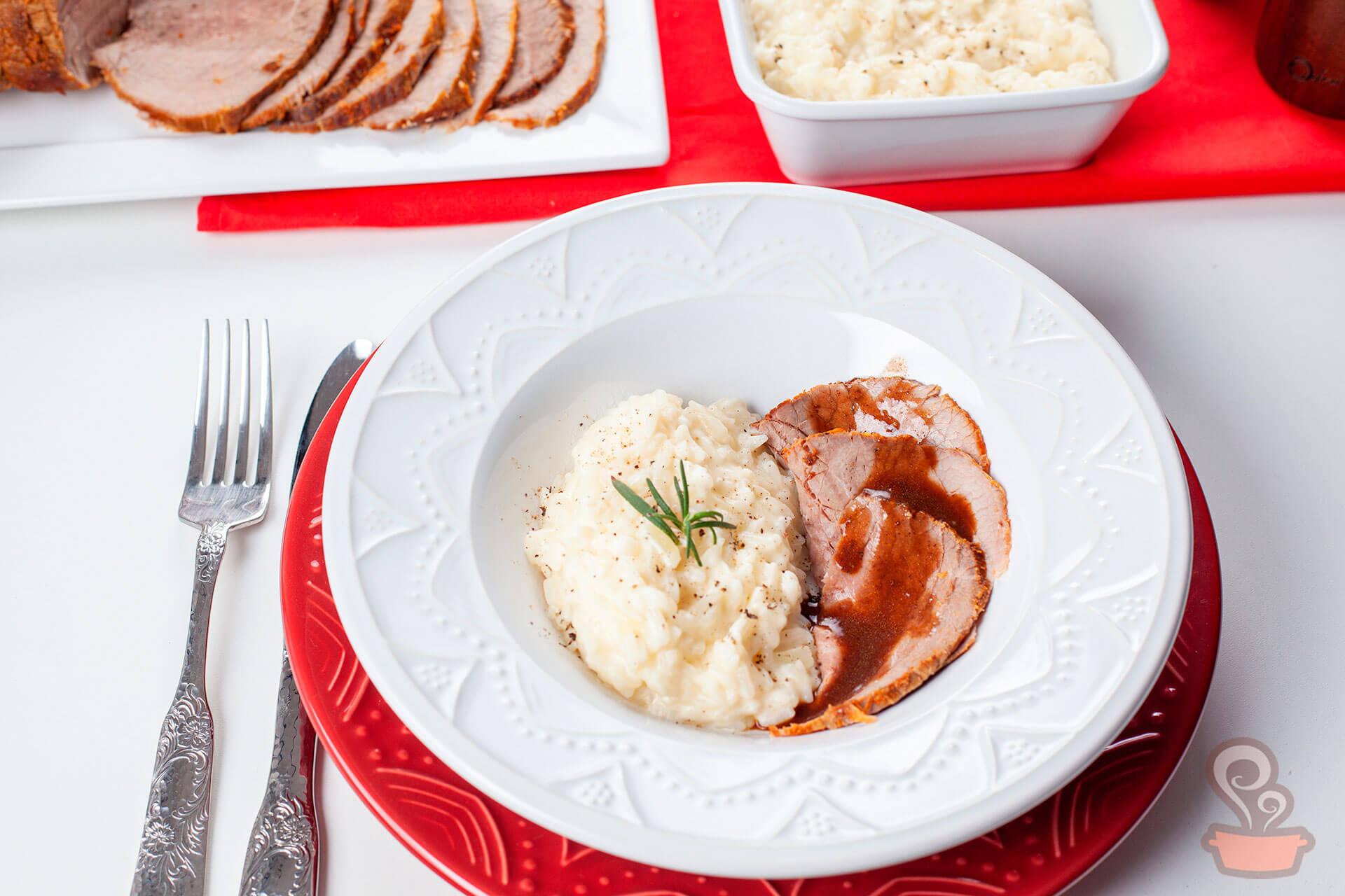 Imagem: Uma receita de rosbife com arroz à Piamontese que vai tem a cara do Natal e vai encantar os seus convidados! Foto: Na Minha Panela
