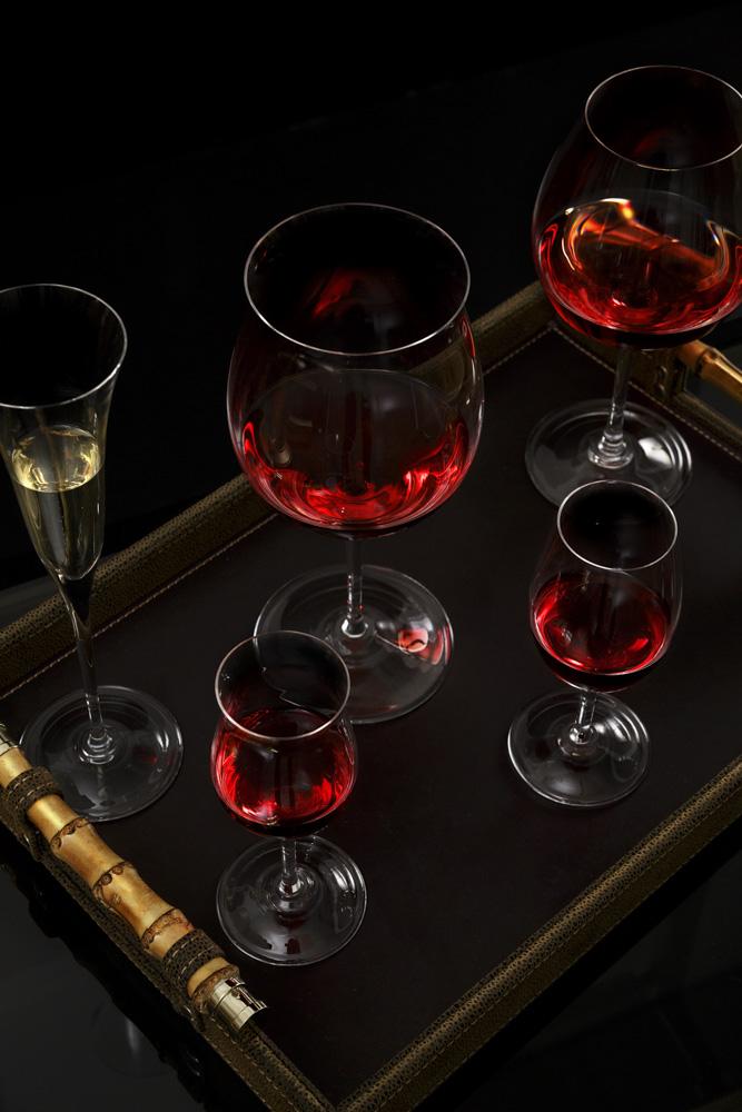 Texto: Taças da linha Sommelier da Strauss: peças que valorizam características únicas das mais nobres bebidas. Foto: Carpintaria Estúdio.