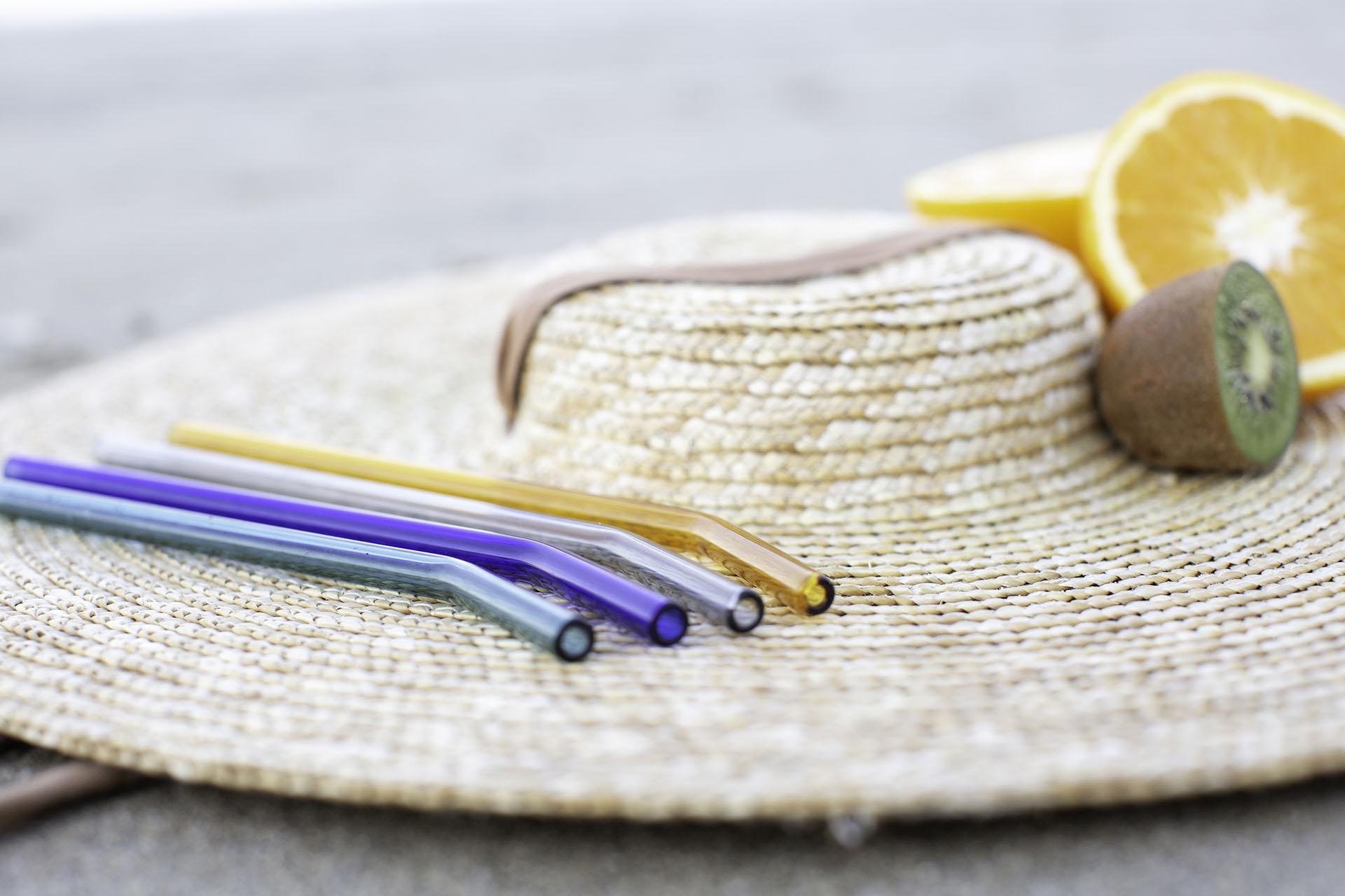 Texto: Os canudos de vidro borosilicato da Oxford são opções de produtos reutilizáveis que a marca oferece. Foto: Carpintaria Estúdio.